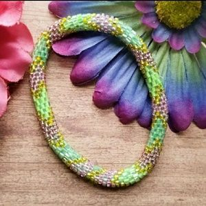 Jewelry - Boho roll on bracelet green seed bead pink peyote